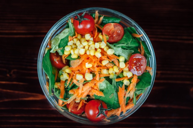 Jednoduchá salátová miska