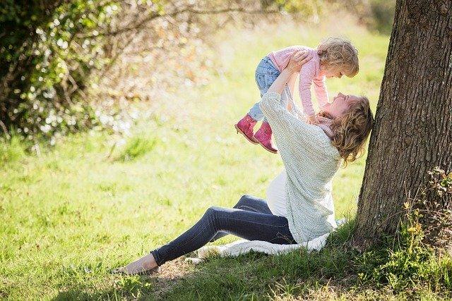 Máte nárok na přídavek na dítě?