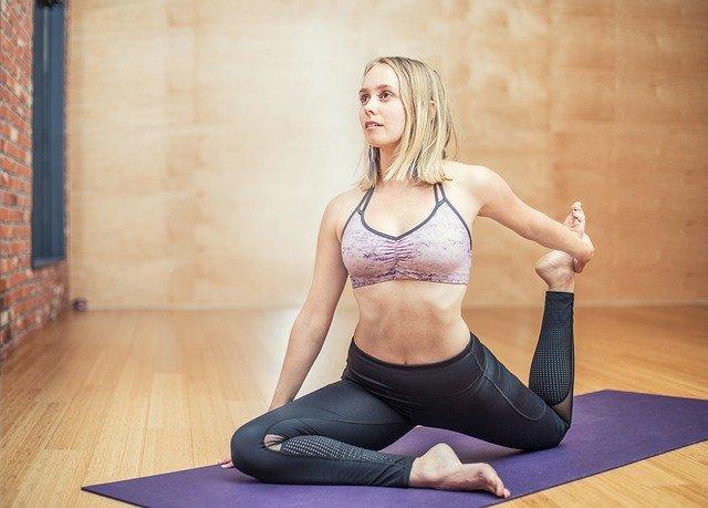 Jak si vybrat vhodnou podložku na jógu
